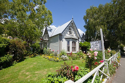 Cute cottage house in Akaroa
